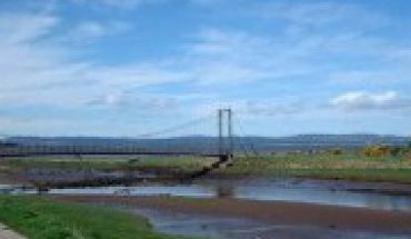 Tain links bridge